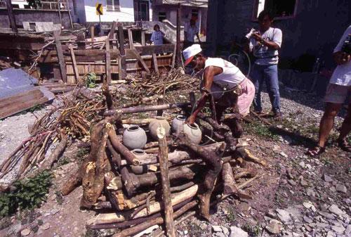 露天井形木架燒陶