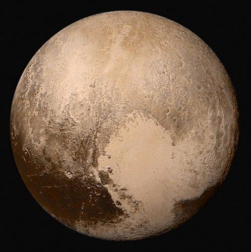 從較遠距離看到的冥王星全貌