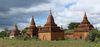 觀光客最常造訪的蒲甘(干)(Bagan)是過去蒲甘王朝所在地